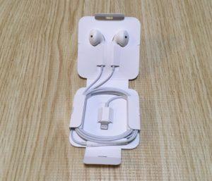 iPhoneSE2 イヤホン